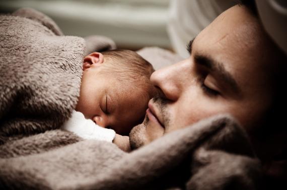 2015-10-23-1445632969-2475916-babyandfather.jpg