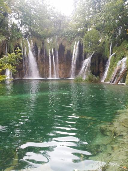 2015-10-23-1445636428-1813808-plitvicewaterfalls.jpg