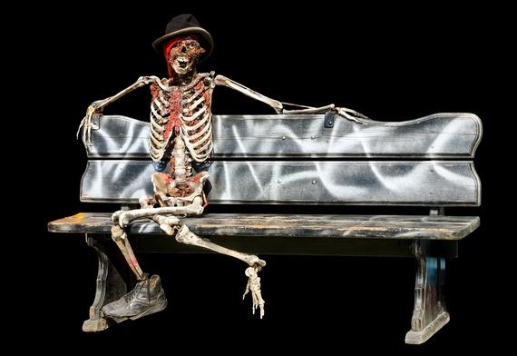2015-10-25-1445800508-8031440-skeleton973115_1920.jpg