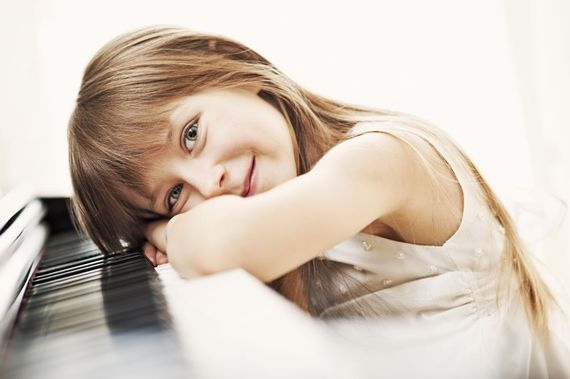 2015-10-25-1445802288-4513535-PianoGirl.jpg