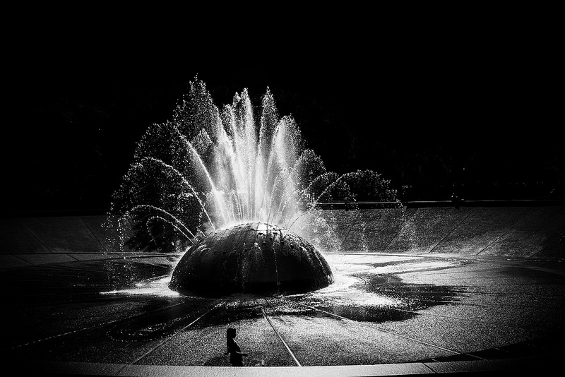 2015-10-26-1445841174-1219760-InternationalFountain.jpg