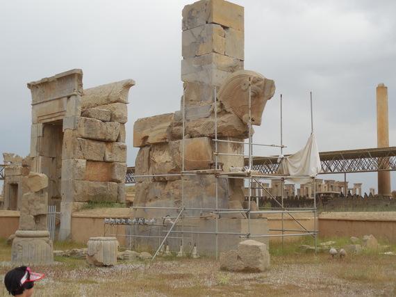 2015-10-27-1445962226-3472879-Persepolis.JPG