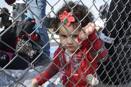 2015-10-27-1445971848-3539462-SyrianrefugeesfromAlison2.jpg