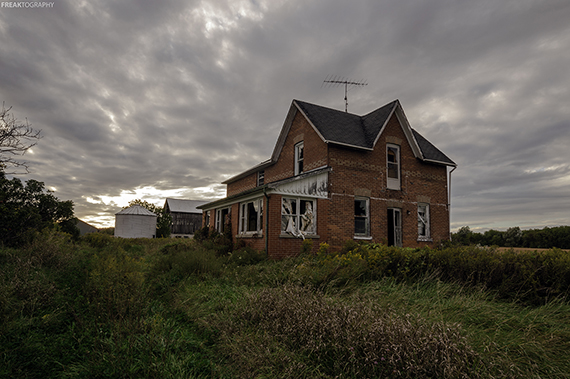 20 Photos Of Creepy Old Abandoned Houses Huffpost Canada