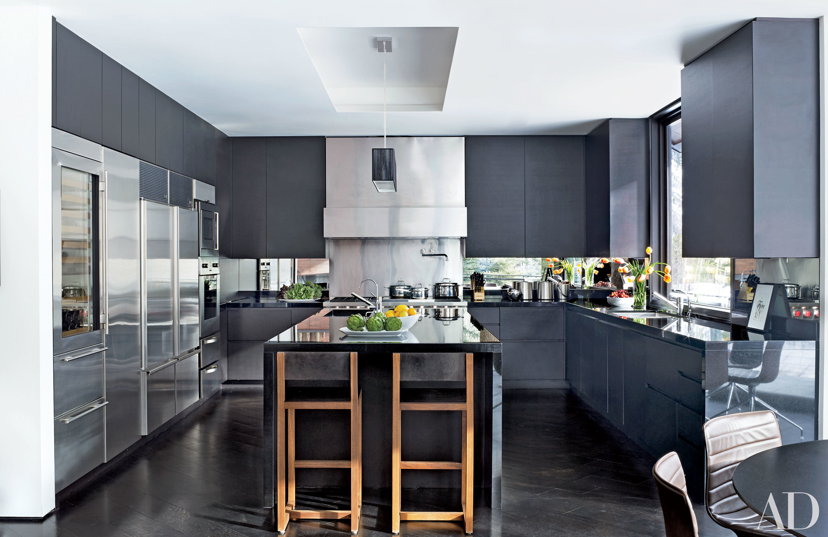 Before after amazing kitchen makeovers huffpost for Kitchen designs pics