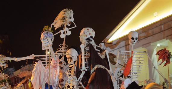 2015-10-28-1446043363-3204709-parade.jpg