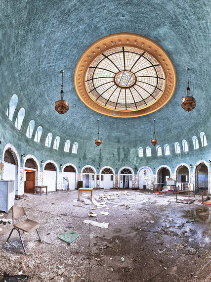 10 Stunningly Simple Tutorials For The Best Eye Makeup: 10 Stunningly Beautiful Abandoned Buildings In America