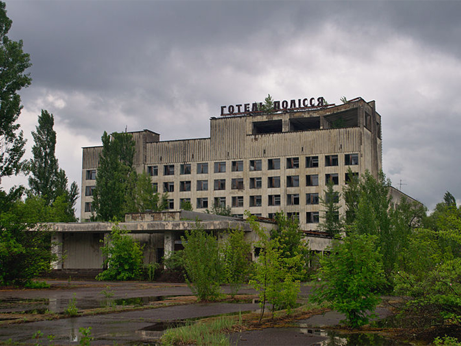 The 13 Coolest Abandoned Hotels And Resort Towns Huffpost