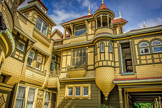 2015-10-29-1446135962-2967152-damimagestravelhauntedhousesbeautifulhauntedhouses02winchestermysteryhouse.jpg