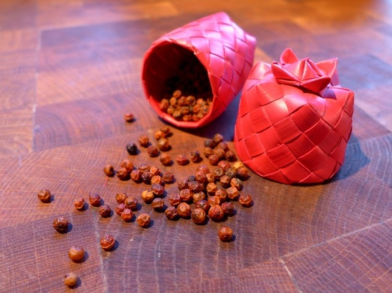 2015-10-29-1446139707-4294381-peppercorns.jpg