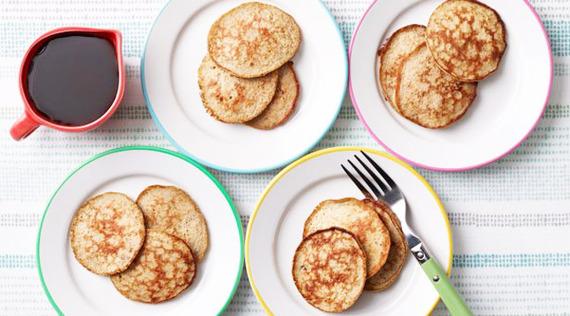 2015-10-29-1446140145-9051364-banana_pancakes_1.jpg