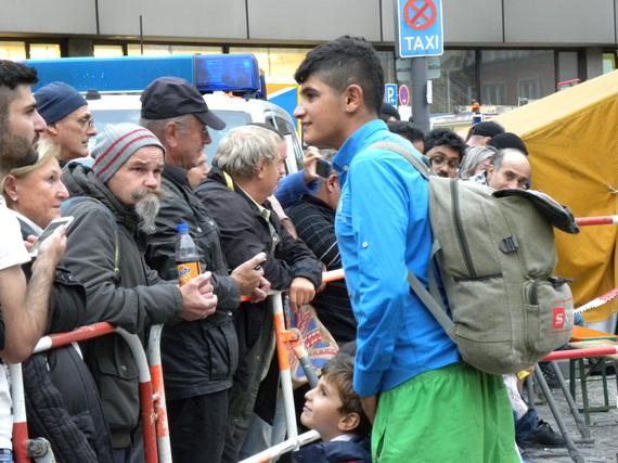 2015-10-29-1446154893-9962648-refugeerucksack.JPG