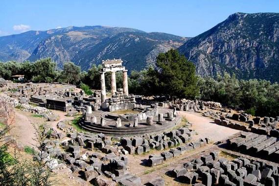 2015-11-02-1446499454-1274429-Delphi1.jpg