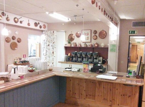 2015-11-03-1446547471-2451272-kitchen2.jpg