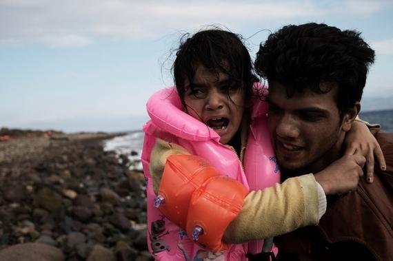 2015-11-03-1446557168-1751159-UNI197003_Greece_refugeecrisis.jpg