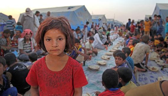 2015-11-03-1446557571-7015966-UNI163897_Iraq_lifeinrefugeecamp.jpg