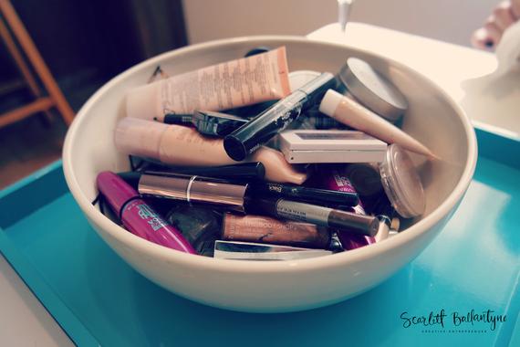 2015-11-03-1446566187-5851419-MakeupParty4WM.jpg
