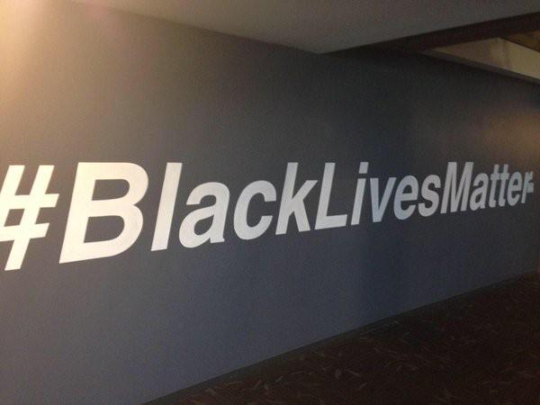 2015-11-04-1446640496-9450595-blacklives.jpeg