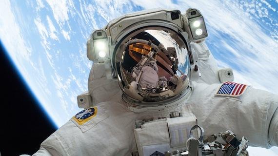 2015-11-04-1446655464-8818415-astronaut.jpg