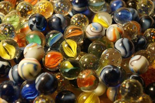2015-11-04-1446672594-7920519-marbles628820_1280.jpg