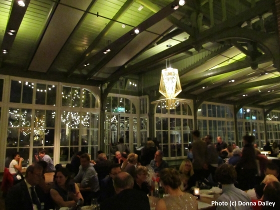 2015-11-06-1446835838-1068668-Artis_Zoo_Plantage_Restaurant.jpg