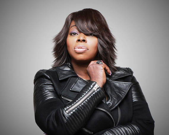 2015-11-06-1446841726-6022789-AngieStone_CourtesyofShanachieEntertainment.jpg