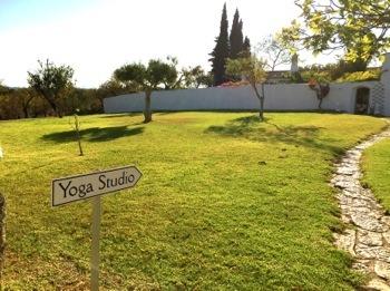 2015-11-09-1447090017-9997696-Yoga2.jpg