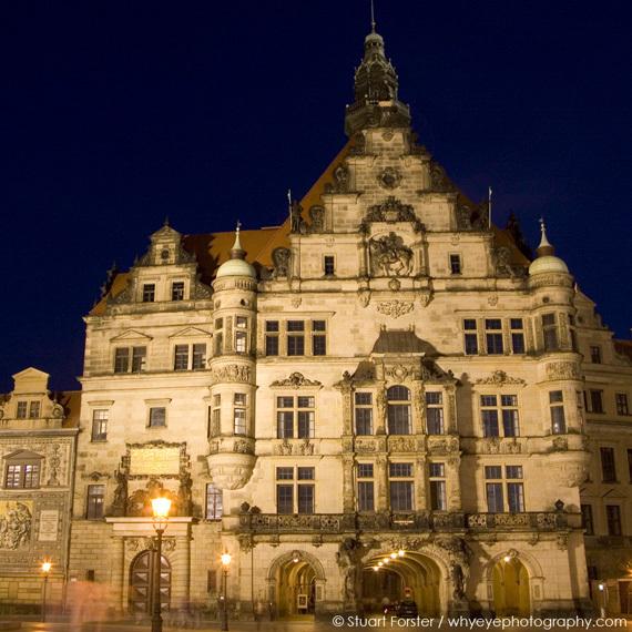 2015-11-10-1447177865-3595947-SF_Dresden_19x.jpg