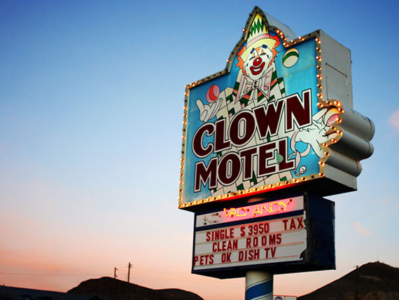 2015-11-11-1447269763-6212061-ClownMotel_Bethany.jpg