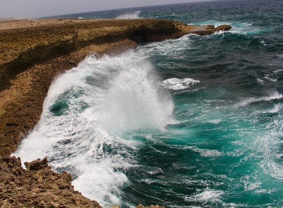 2015-11-12-1447346481-8299430-CuracaoHuffPostMilne8.jpg