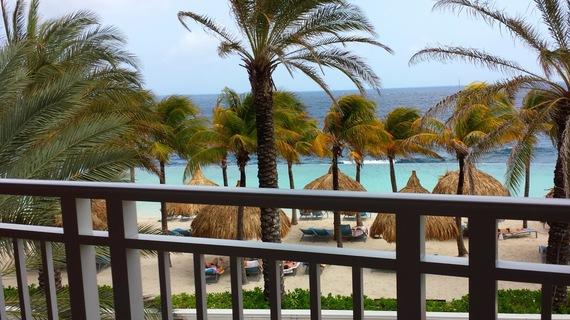 2015-11-12-1447355687-8561031-CuracaoHuffPostMilne1.jpg