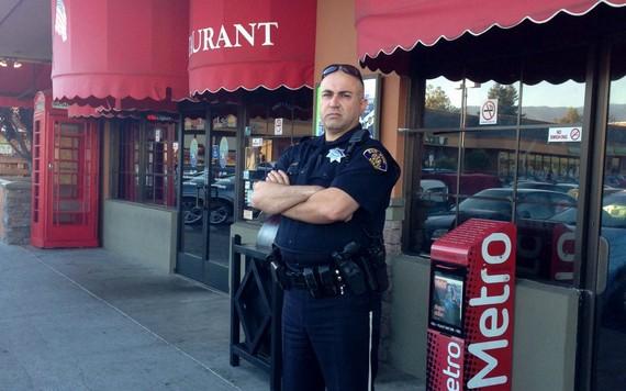 2015-11-12-1447368486-1612248-OfficerHaidarinterviewbyAlisonvanDiggelenforBBCJune20151080x675.jpg
