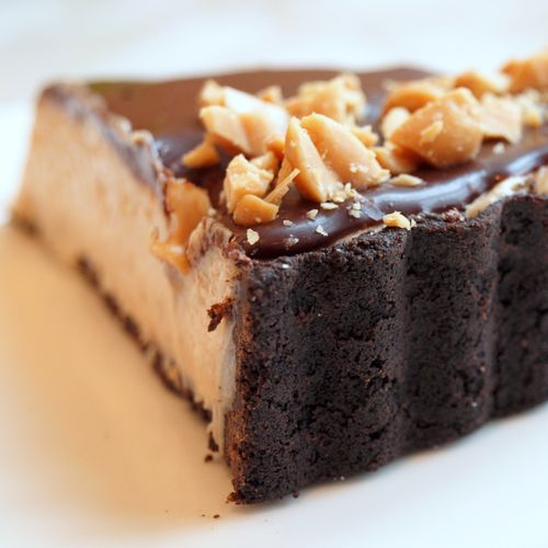 ... chocolate crust, creamy peanut butter filling and chocolate ganache