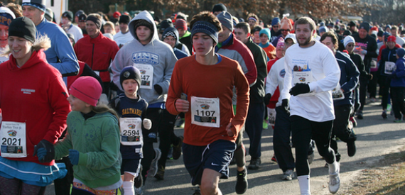 2015-11-13-1447430639-5448809-runners1.png
