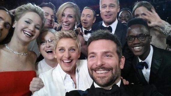 2015-11-16-1447690236-4845913-Ellen_Selfie_Oscars_Twitter.jpg