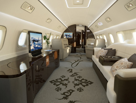2015-11-17-1447779213-6613676-embraerlineage1000Eprivatejet51million02.jpg