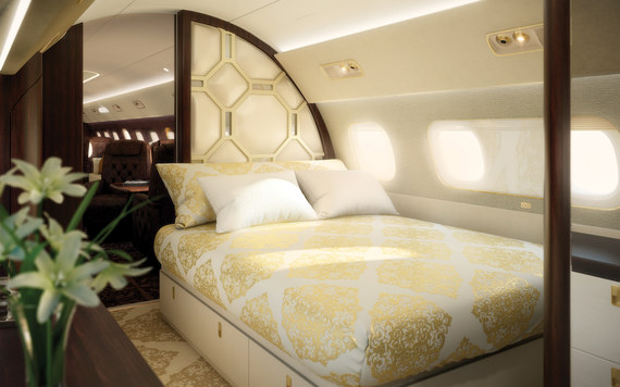 2015-11-17-1447779412-5652412-embraerlineage1000Eprivatejet51million07.jpg