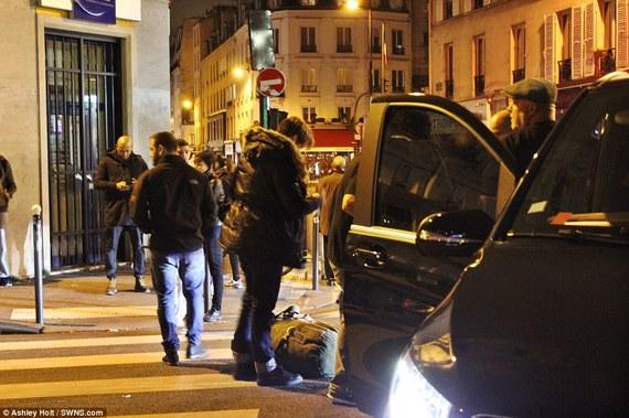 2015-11-17-1447796719-4868753-Parisbombing.jpg