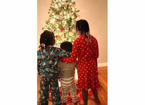 2015-11-18-1447818126-9270648-kidsatchristmas.jpe