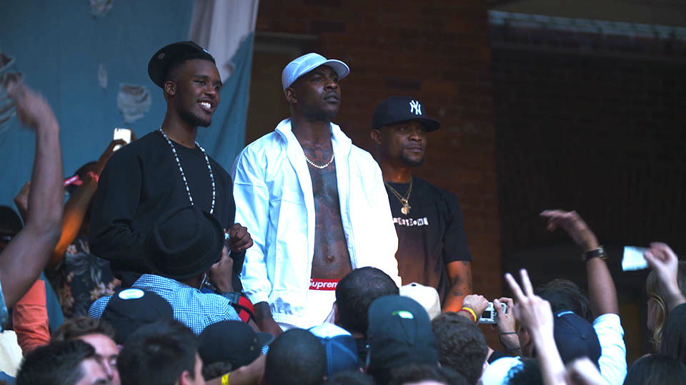 1df9fa511a5 2015-11-18-1447851464-3961921-TBSSTAGE.jpg. Grime act Skepta onstage on his  ...