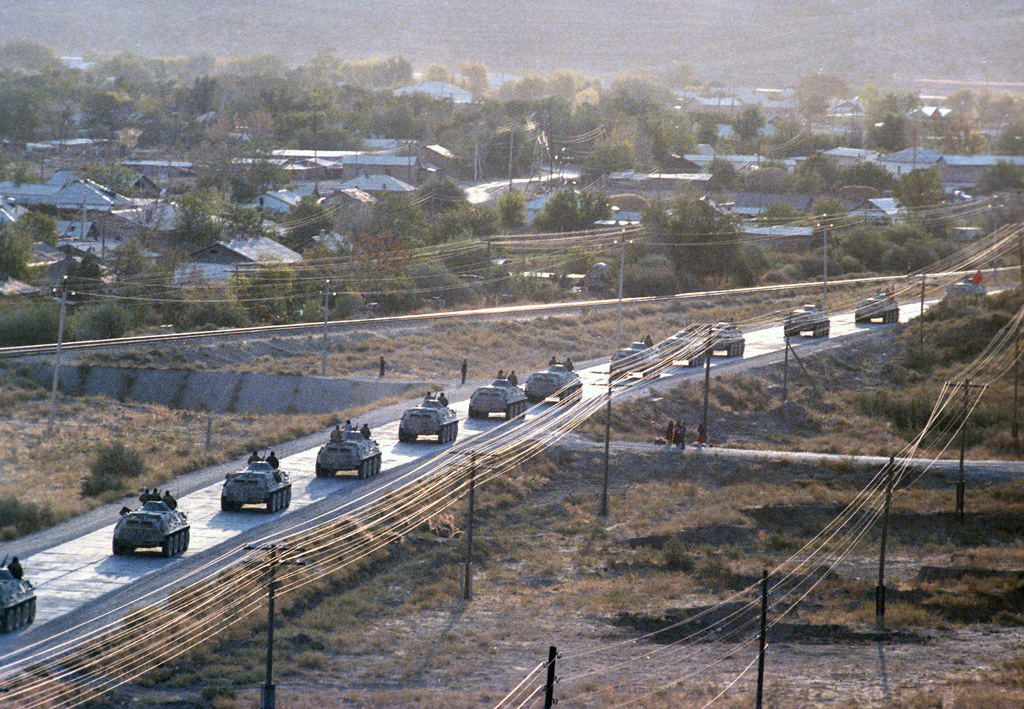 the changes in afghanistan after the soviet union left I left kyiv, and returned to the us after almost a week in moscow with another team  to live in the soviet union just after it had collapsed  of time before .