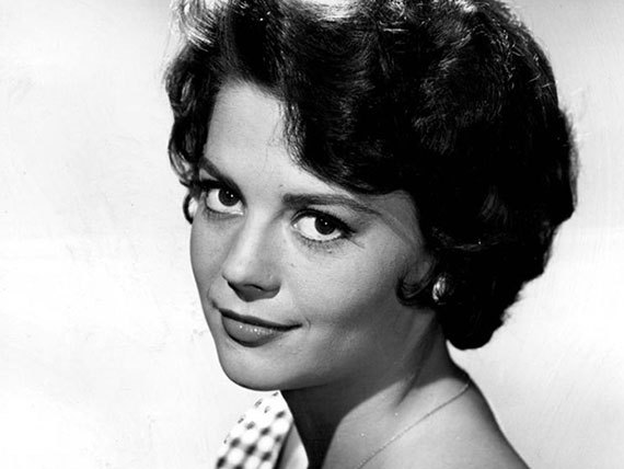 2015-11-18-1447886477-4814752-Natalie_Wood_1959_photo.jpg