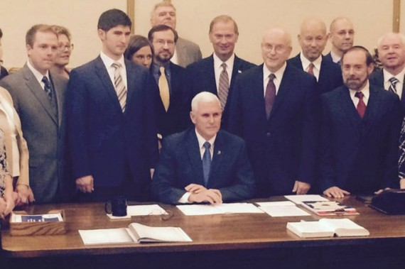 2015-11-19-1447922602-3128026-MikePencewithConservatives638x425.jpg