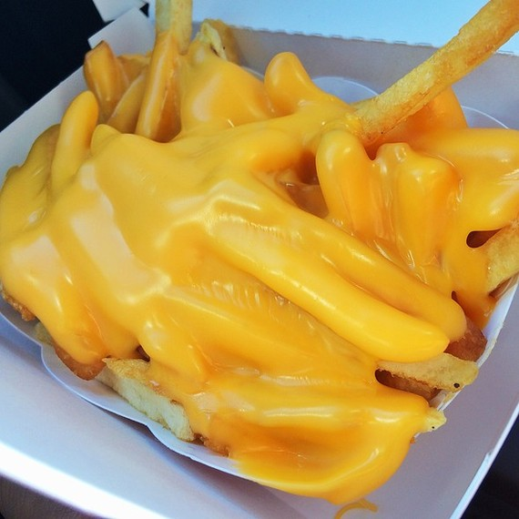 2015-11-19-1447969416-5156075-cheesefries.jpg