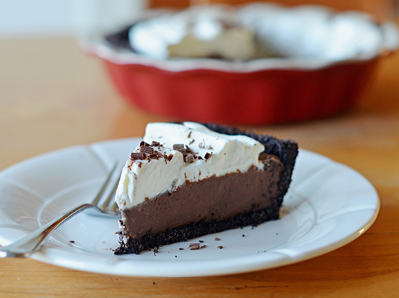 2015-11-21-1448109877-6901790-chocolatecreampie.jpg