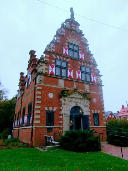2015-11-21-1448140898-6484999-ZwaanendaelMuseumLewesDE.jpg