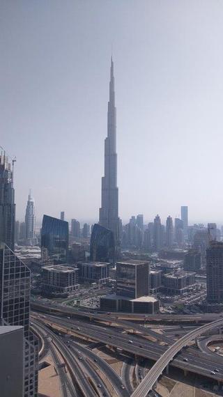 2015-11-22-1448216811-5859237-Dubaiskyline.jpg