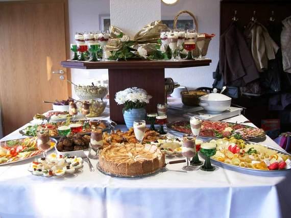 2015-11-22-1448225429-3298698-buffet.jpg