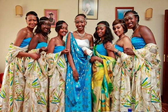 2015-11-23-1448243733-5715135-RwandanRwandesewomen.jpg
