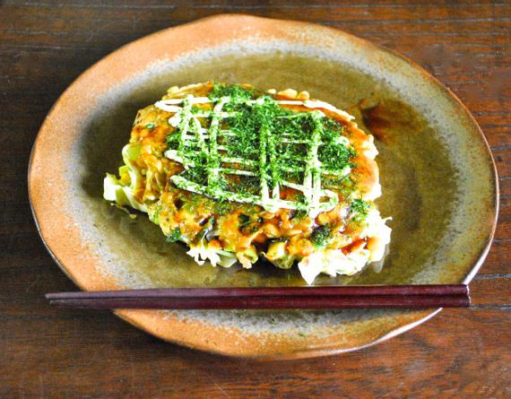 2015-11-24-1448324940-9589430-okonomiyaki.jpg